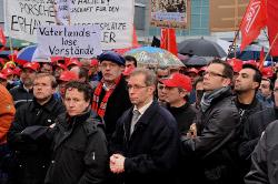 Stephan Braun bei der Kungebung des DGB und der IG Metall vor den Toren des Sindelfinger Daimler-Werk